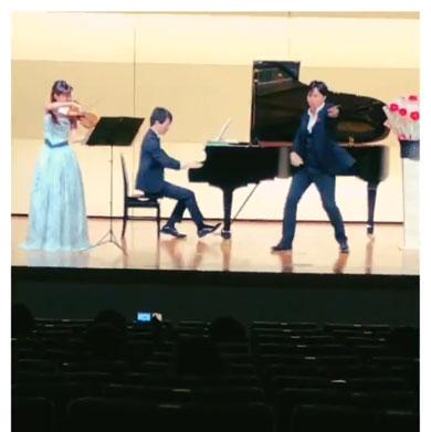 プロ 声楽家 歌 踊る ピアニスト 鬼のパンツ フニクリ フニクラ