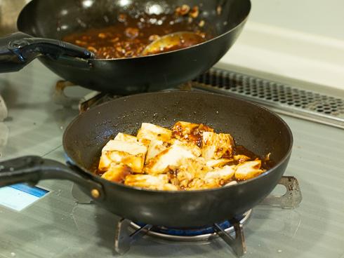 マーボー豆腐を作るところ