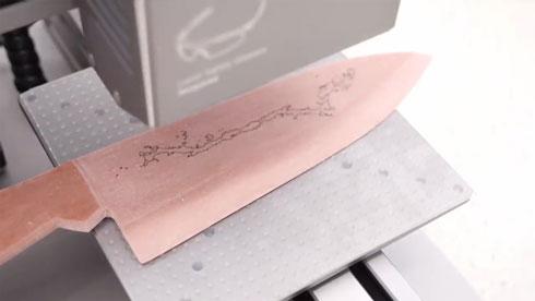 レーザー加工機で菌を描く