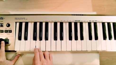 お客様センター コールセンター 電話 モノマネ 繋がらない 音楽 愛の挨拶 鍵盤 耳コピ