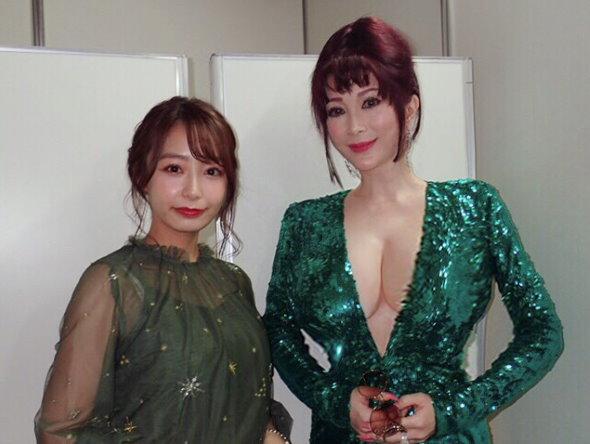 叶姉妹 東京コミコン2019 コスプレ 宇垣アナ