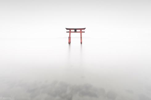 曇り 白髭神社 写真 滋賀県 琵琶湖 幻想的 異世界 saizou