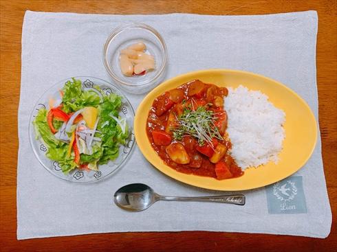 カレーライス 野菜ジュース