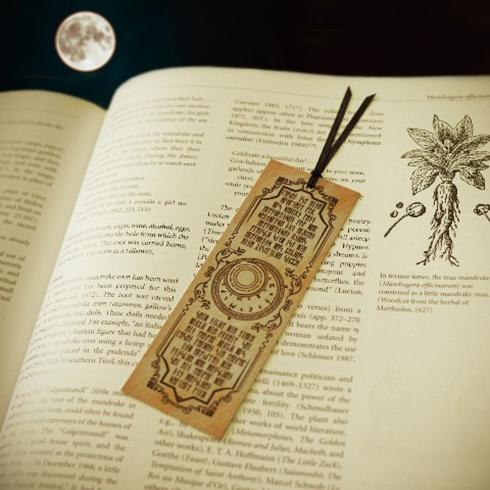 魔法を授ける「魔導書ぽち袋」 Twitterで布教活動が活発化