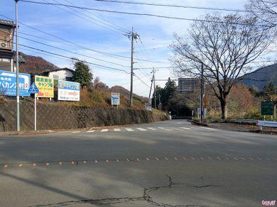 県道518号への入口