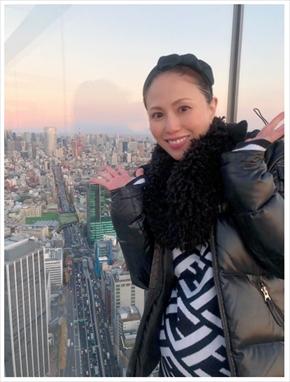 MAX LINA NANA 出産 第1子 現在 ブログ インスタ おくるみ ニット帽 カシミヤ 手編み プレゼント