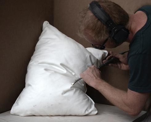 彫刻 枕 本物そっくり