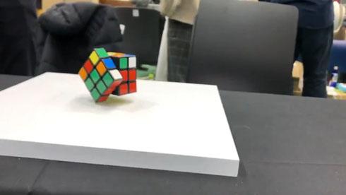 全自動ルービックキューブ