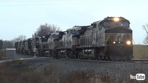 海外 YouTube アメリカ 貨物列車 ディーゼル機関車 廃車回送