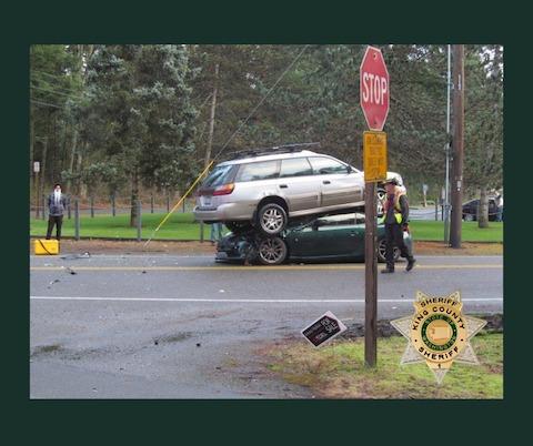 交通事故 珍事 どうしてこうなった 米国 シアトル 86 プリウス