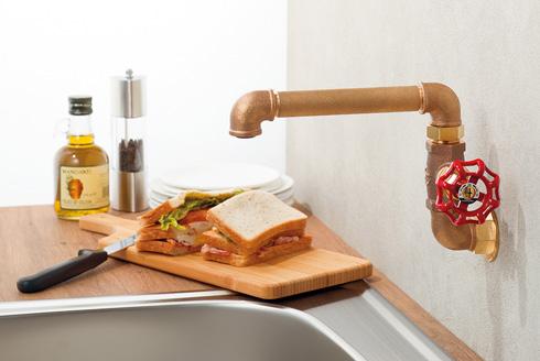 「厨房用横形自在水栓」取り付け例