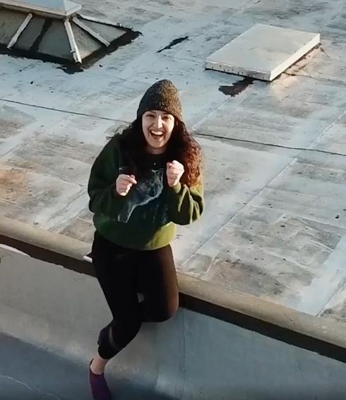 隔離された男女が屋上で出会う デート発展までの物語がすてき