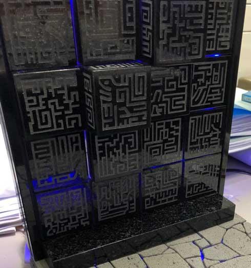 ラピュタ 動く壁 黒御影石 手作り 手彫り 制作 ジブリ 石屋