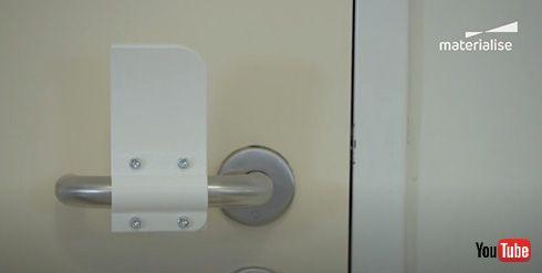 袖でドアを開けられるハンズフリードアオープナー 3Dプリンタで作れるデータが公開
