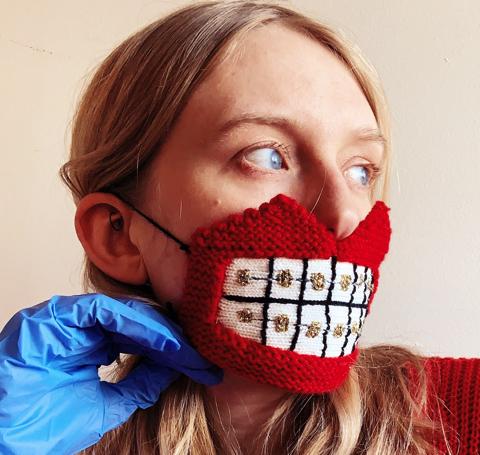 編み物のマスク