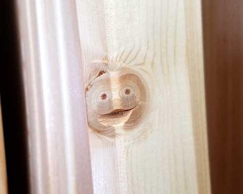 ホームセンター かわいいやつ 顔 木材 笑顔