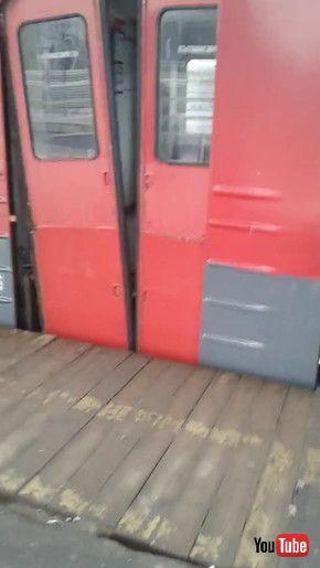 ロシア 鉄道 ドア 故障
