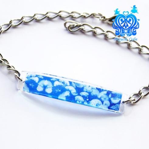 煌めく、碧く青い透明
