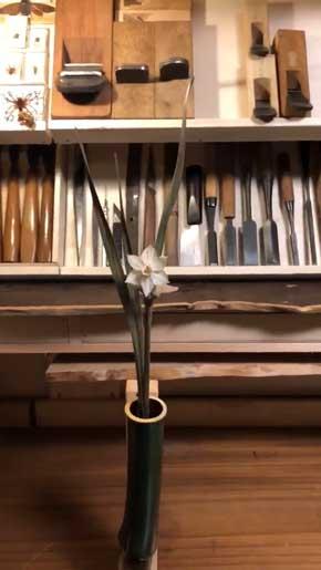 落語 竹の水仙 再現 作品 水 花 咲く 木 彫刻 大竹亮峯