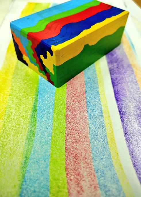 色鉛筆の製造動画が無限に見てしまいそうになる吸引力 「虹をすくい取るかのよう」「働いてる方々が精鋭」