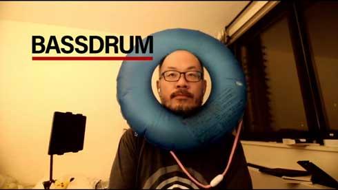 Zoom ミーティング 青い 浮き輪 活用 背景 合成