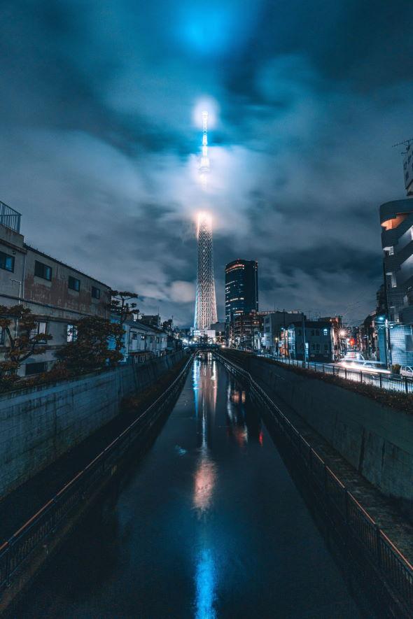 東京スカイツリー 梅雨時 写真 幻想 ファンタジー