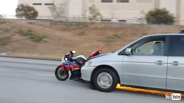 ひき逃げ 事故 バイク
