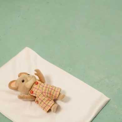 阿部靖子 寝かしつけ 姿勢復帰 エヴァ シルバニア あるある コマ撮り 作品