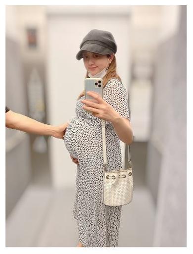 菊地亜美 妊娠 おなか 出産 いつ