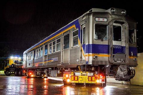 深夜 ガソリンスタンド 電車 大井川鐵道 南海電鉄