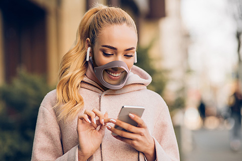 口元の笑顔がよく見えるイタリア製マスク「CLIU」 高機能かつスタイリッシュでかっこいい