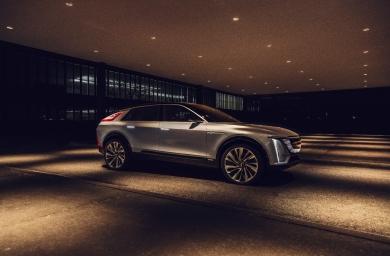 G新たに開発した電気自動車専用のプラットフォームを採用