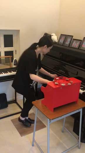 ピアニストの妻 ピアノ タップダンス 同時 演奏
