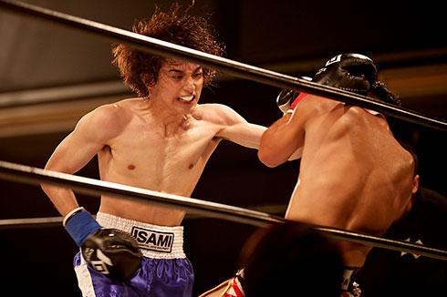 横浜流星 キックボクシング きみの瞳が問いかけている