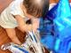 """吉木りさ、夫・和田正人の41歳バースデーをお祝い 10カ月娘もパパのためにパーティーを""""全力準備"""""""