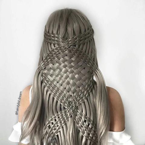 バスケット編みやマクラメ編み風のヘアスタイル