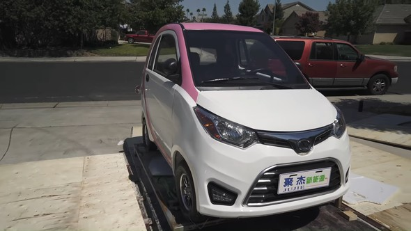 中国 EV スーパーカー
