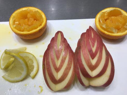 リンゴとレモンとオレンジの飾り切り