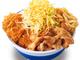 かつやの悪魔合体メシ「豚すき煮肉うどんチキンカツ丼」10月発売 肉×肉×炭水化物×炭水化物