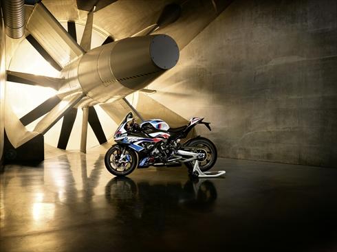 BMW「M1000 RR」