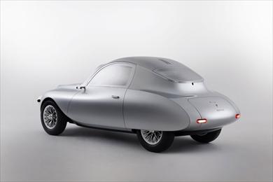 古き良き時代のクラシックカーをモチーフとしたデザイン