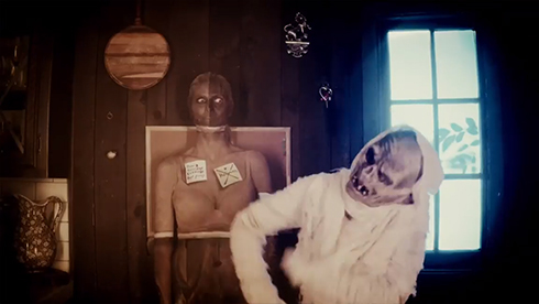 ハイディ・クルム ハロウィーン コスプレ 仮装 ホラー 映画 ショートフィルム 家族 夫 子ども ミイラ ゾンビ