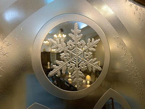 雪の美術館・磨りガラス