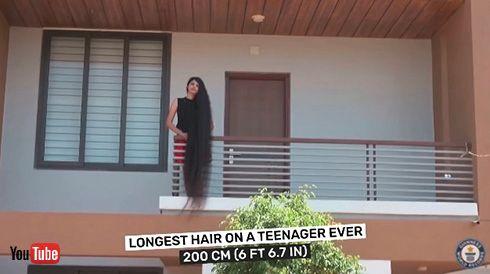長さ200センチでギネス記録に認定 世界一髪が長い少女