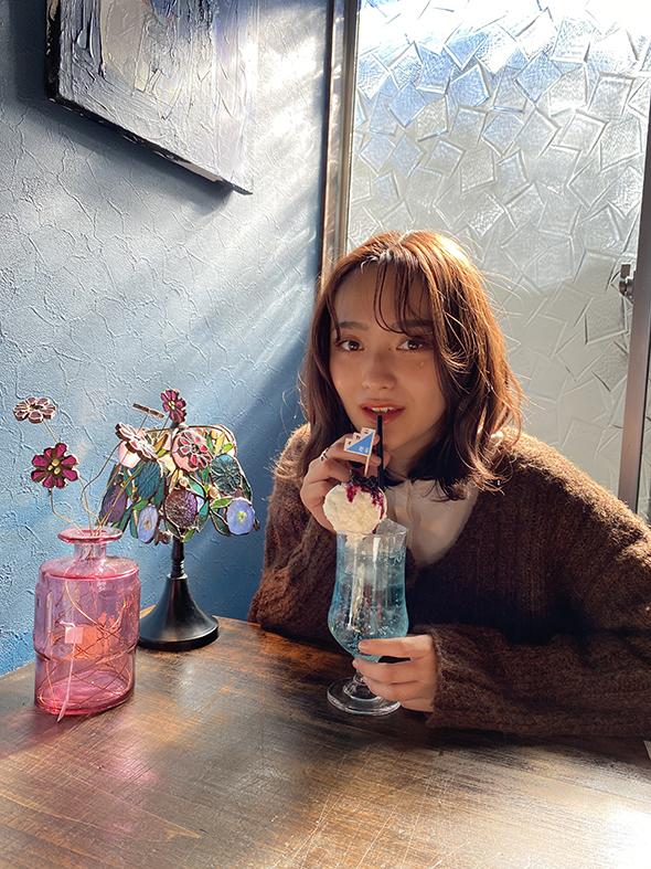 喫茶ニカイ クリームソーダ おいしい カフェ