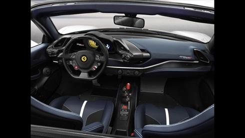 フェラーリ「488 ピスタ スパイダー」