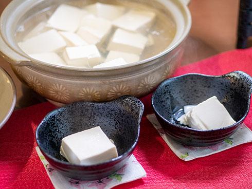 湯豆腐を盛り付けたところ