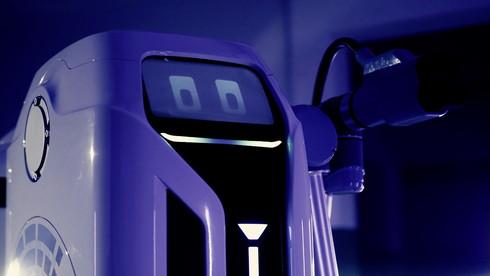 フォルクスワーゲン モバイル充電ロボット