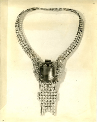 ティファニーが1939年のネックレスをリメイク