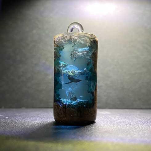 レジン コルク アート 作品 アクセサリー M's craftworkS 海 雲 クジラ オーロラ